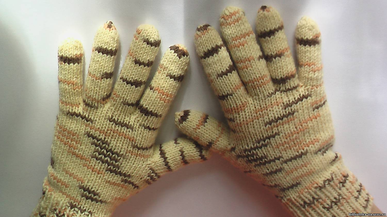 Как вязать перчатки спицами. Наталья Зайцева. Сайт: rukodelochka-video.ru